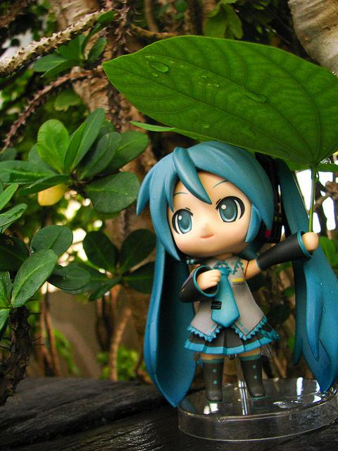 GSC 5th Photo Contest entry: Makeshift Umbrella - Hatsune Miku Nendoroid